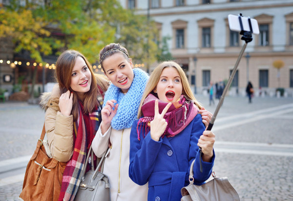 1455975832_selfie-stick