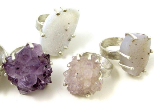 ring cluster white